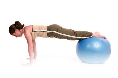 esercizio pilates con la palla